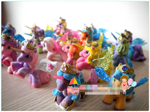 AILAIKI Toy Filly Stars With Wings Series Little Horse Dolls Collection Action Doll 5-6CM Original Flocking Filly  Horses HOT
