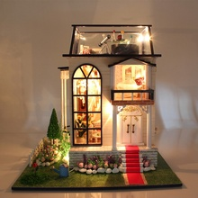 New Hoomeda 13837 Handmake DIY Dollhouse Miniature Model With Light Music Motor Doll House Room Best Gift