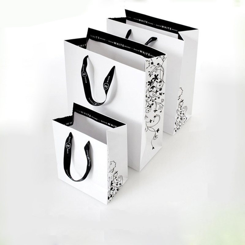 Wholesale 500pcs lot reusable boutique gift paper shopping bags customized printing logo luxury promotion clothes bags