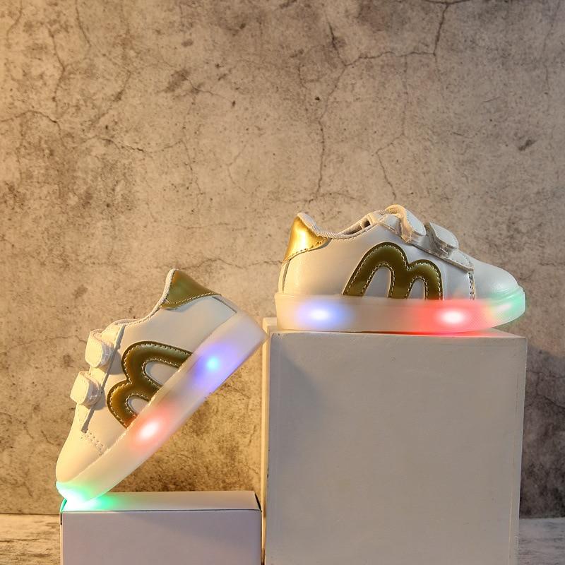 Nieuwe mode kinderen schoenen met lichtgevende sneakers