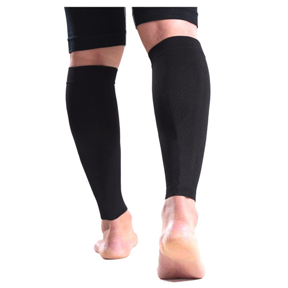 a pair of Basketball Guard Crus Sleeves Brace Outdoor Sports Gear Protective Sheath Soccer Running Knee Set of Legs