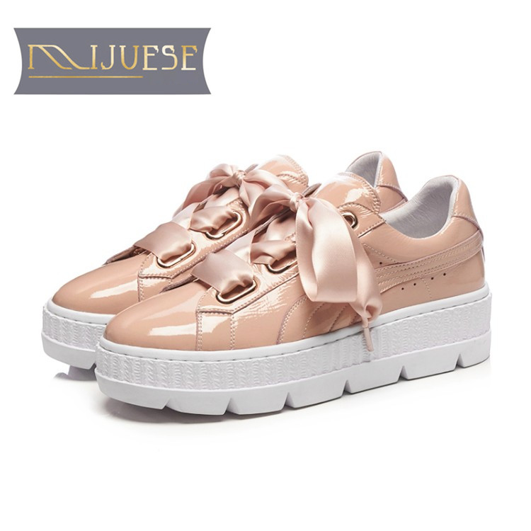 MLJUESE 2018 women sneakers cow leather lace up pink color autumn spring Vulcanize Shoes fashion sneakers women loafers все цены