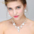 Envío gratis Silver Plated flor blanca cristalina austríaca sistemas de la joyería nupcial incluyendo pendiente del collar y venda de la corona