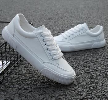 2019 new style white sneakers men breathable leisure shoes popular shoes high quality fashion Super confident men black sneakers 1