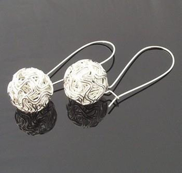 Free Shipping Wholesales New Hot Fashion Western Hollow Spherical Vintage Earrin