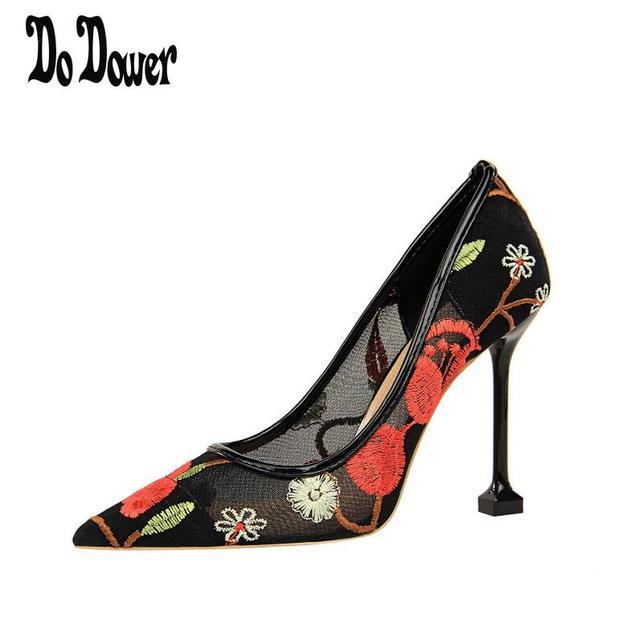 e971fcb7 Nueva primavera verano elegante estilos zapatos de mujer bordado tacones  altos cristales punta estrecha malla mujer
