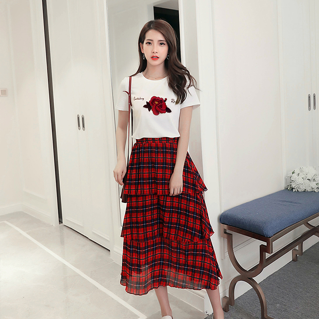 00117f1ff6 New 2018 Summer Women Flowers White Cotton T-Shirt Long Skirt Tower Tall  Waist Skirt Suits Red Plaid Skirts Outfit Size S M L