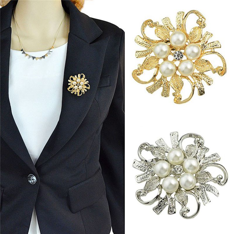 622bf39adc US $0.79 27% OFF|Vintage Women Flower Rhinestone Brooch Wedding Bridal Pin  Jewelry brooches Gifts-in Brooches from Jewelry & Accessories on ...