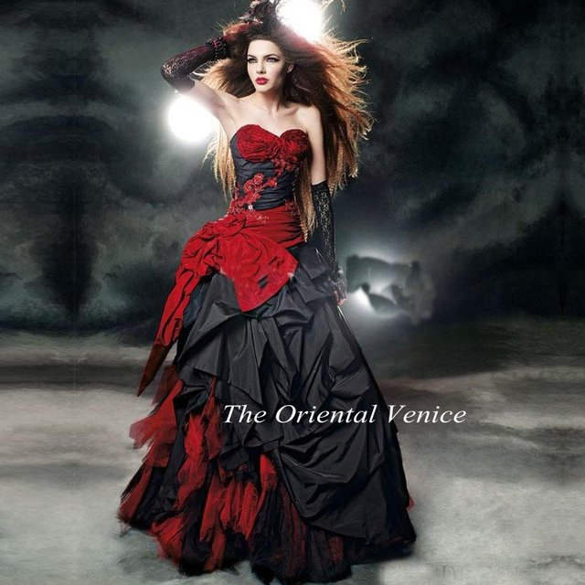 2017 Gothic Taffeta Red And Black Ball Gown Wedding Dress Floor Length Corset Vestidos de Novia Beaded Victorian Bridal Gowns