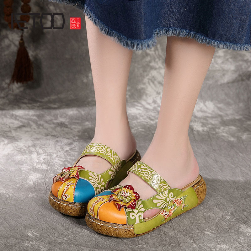 Leather sandals and slippers Ethnic style Sweet flowers Hand wiping color Light ladies Ladies slippers
