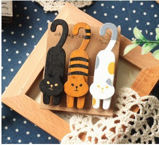Kawaii Stationery  3pcs/ 1lot  Mini Natural Painted Oh My Cat Wood Clip Set / Cute Wooden Paper Clips / Small Craft Photo Pegs