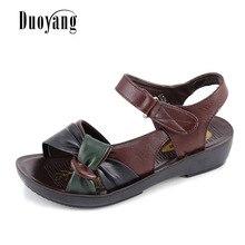 2017 Лето мать обувь сандалии на плоской подошве женщины в возрасте Pu мягкое дно смешанные цвета модные сандалии удобная летняя обувь
