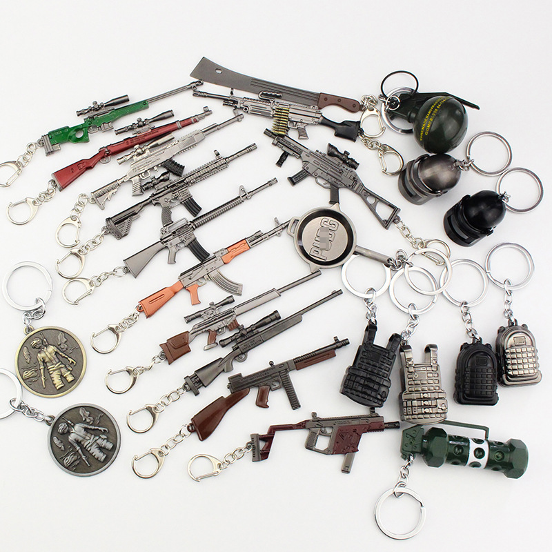 12cm 30 styles PUBG Key chain Weapon Rifle AKM Model KeyChain AK 47 Toys Gun Keychains llaveros chaveiro sleutelhanger Keyring
