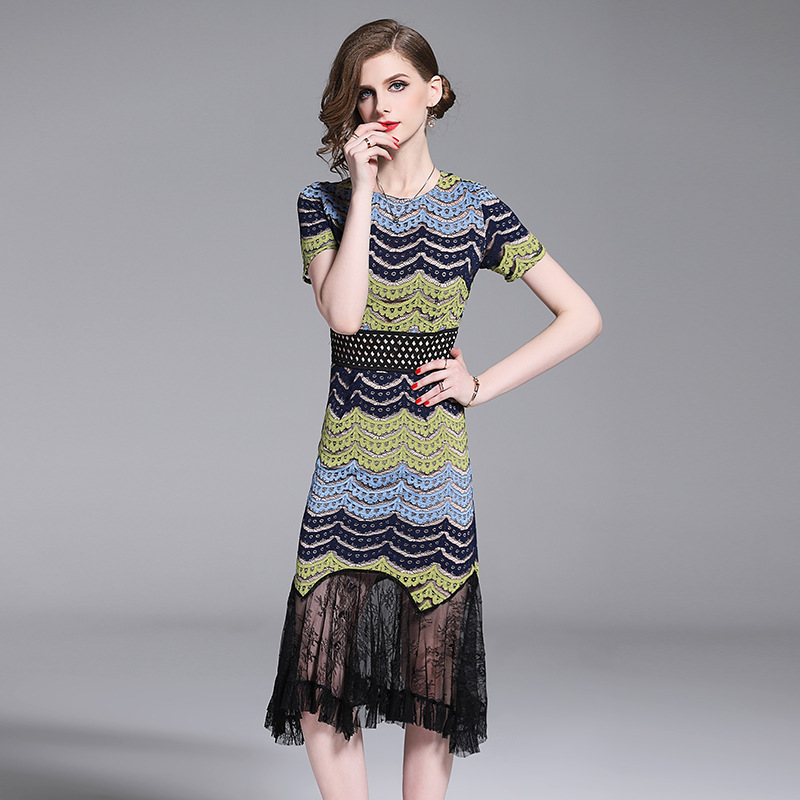2019 summer new lace stitching short sleeved fishtail Dress temperament slim bag hip sheath dress Striped