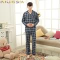 Homens pijamas de algodão homens Sleepwear de manga comprida xadrez gola virada para baixo conjuntos de Pijama Pijama Homme homens de Pijama terno