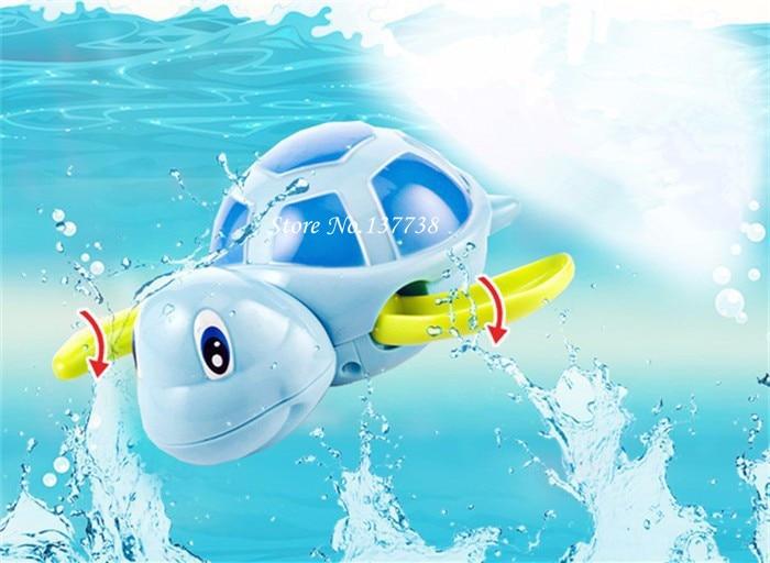 Sıcak Satış Temel Rastgele Renk Yeni doğan bebekler yüzmek kaplumbağa yara-up zinciri küçük hayvan Bebek Çocuk banyo oyuncak klasik oyuncaklar