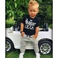 Nuevo 2016 fashion Baby Boy ropa 2 unids Corto Manga de La Camiseta Tops y Pantalones de la Ropa Del Traje con Los Beatles impresa
