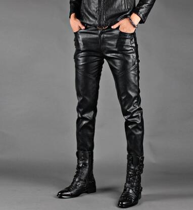 Personnalité mince mode moto faux cuir pantalon hommes pieds pantalon pu pantalon serré pour hommes pantalon homme stage noir