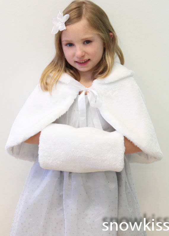 Vintage Faux fur Flower girl Cape Winter Junior Bridesmaid Jacket Coat wedding cloak for communion dress with muff hand warmer long flower girl cape winter princess junior bridesmaid cape wedding cloak with fur trim with hand warmer for communion dress