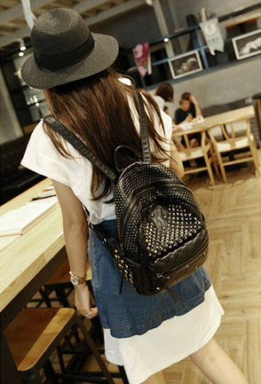 ФОТО Best leather travel bags women rivet backpack for laptop black school bag wholesale free shipping