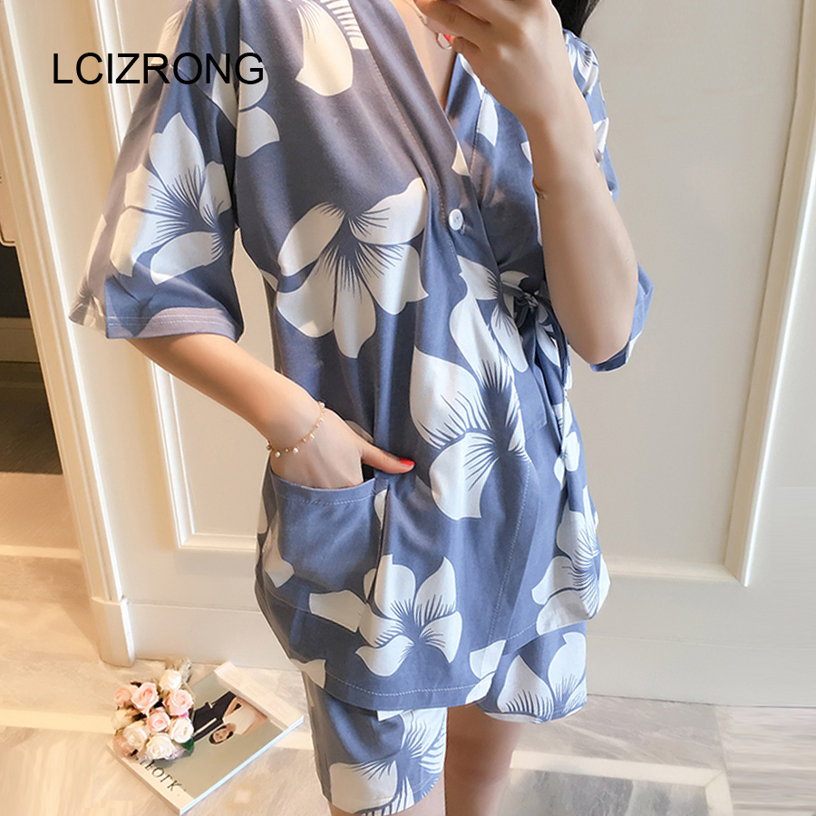 Fashion Chinese Style   Pajamas     Sets   Women Floral V-neck Half Sleeve Tops + Shorts Sleepwear Summer Casual Woman Home Clothing