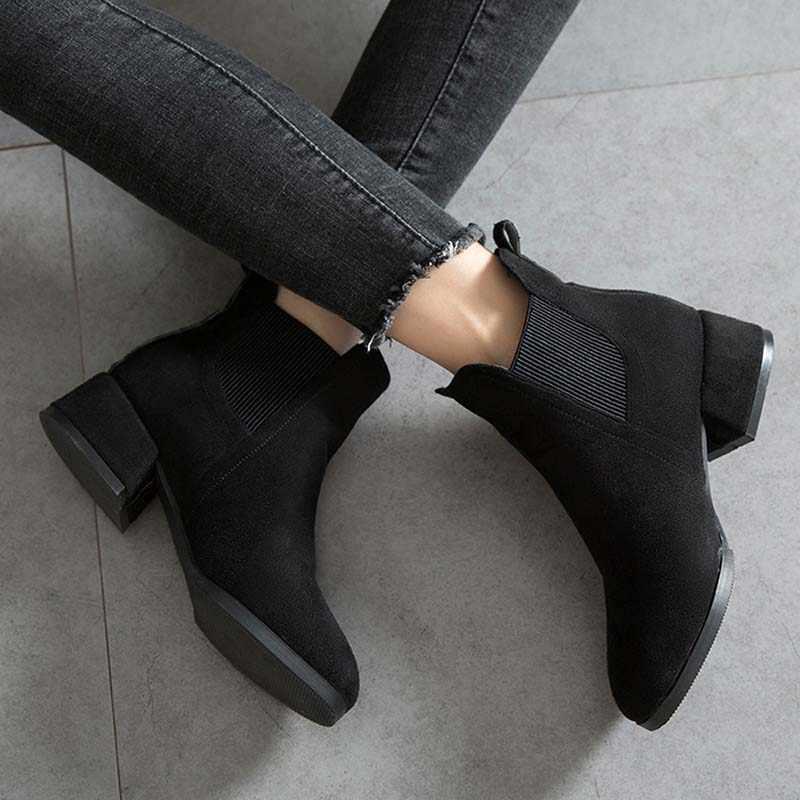 Kadın sonbahar kış akın yarım çizmeler Slip-on yuvarlak ayak 3.5cm kare topuk düz rahat siyah/deve patik boyutu 35-41