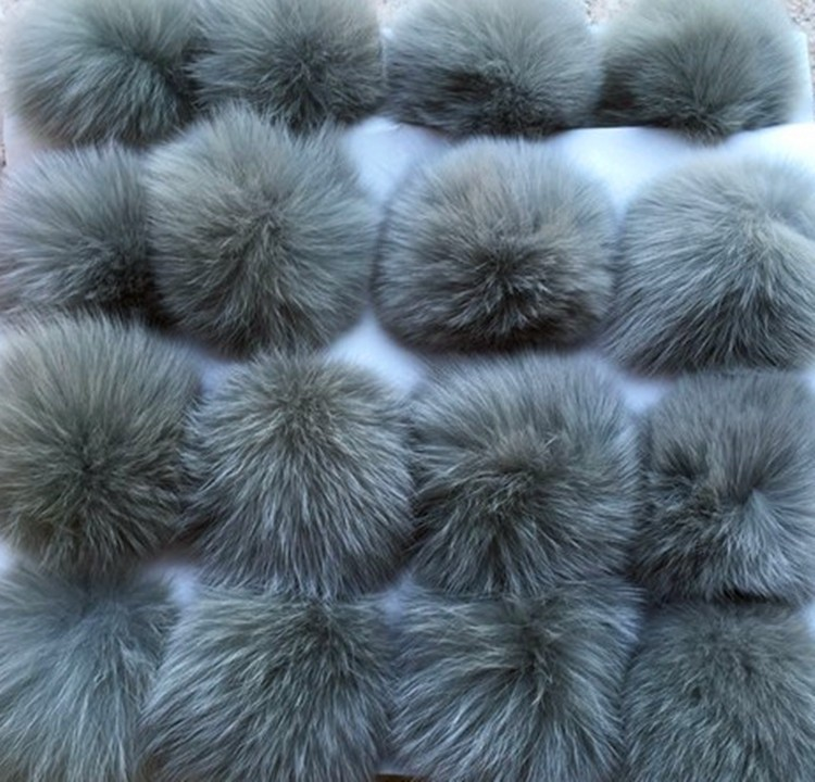 5pcs / lot 10cm Natural Real Fox Fur Ball Pom Pom Fluffy Äkta Fur Pompom DIY Winter Hat Skullies Möss Strikte Cap Pompoms