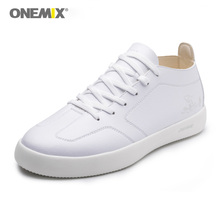 Onemix Men Skateboarding Shoes in White Leisure Shoes Outdoor Walking Athletic Shoes Breathable Black Boarding Sport Sneakers