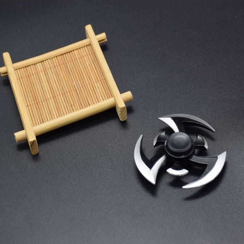 Peradix Shuriken Turn darts Fidgets Spinner Toy Rotary Tri-spinner Shuriken Dragon Blade Sword in Hand Action Figure T