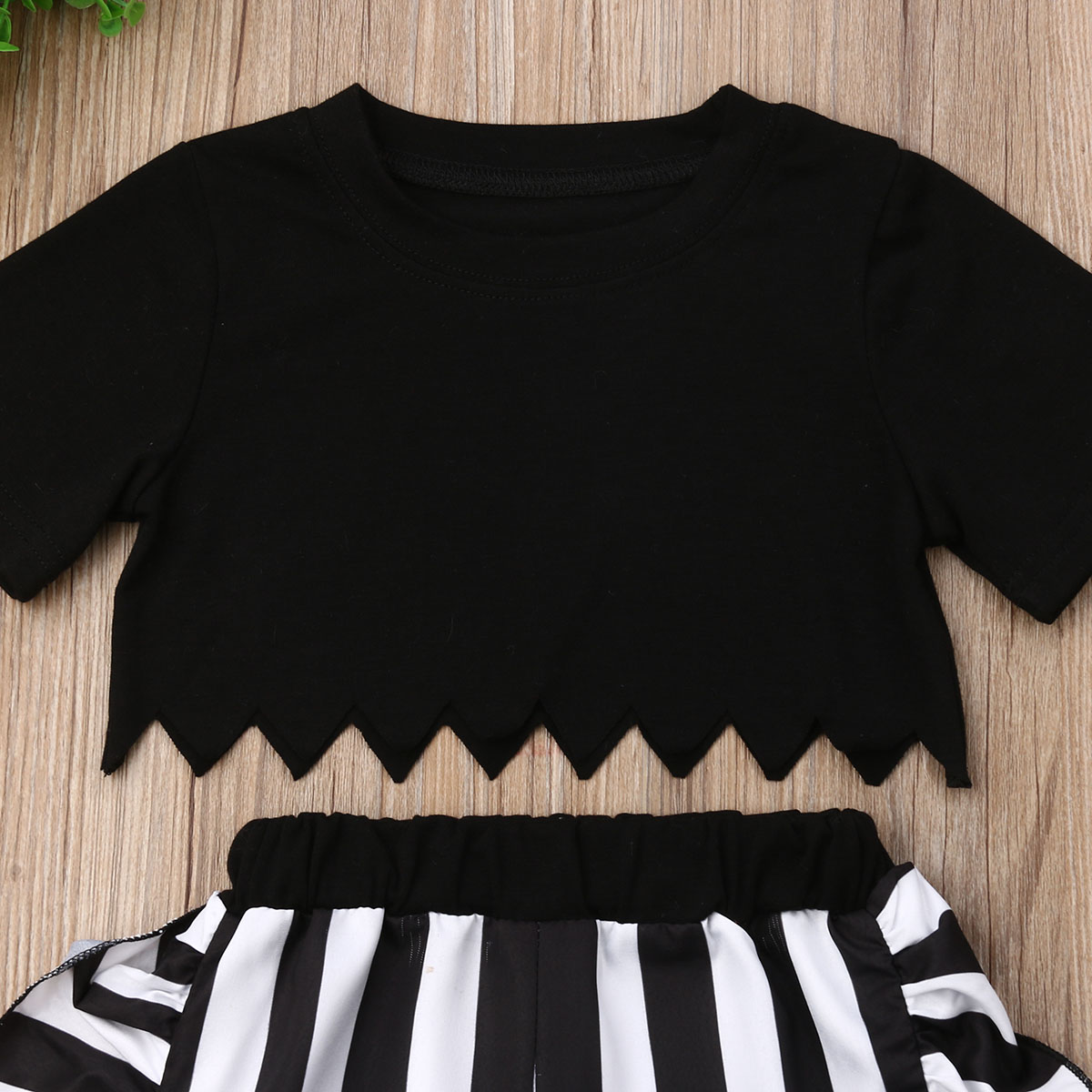 2019 Fashion Kids Baby Girls Clothes Set Black T shirt Black Stripe Ruffle Pants 2Pcs Summer Baby Clothes Toddler Girls Set in Clothing Sets from Mother Kids