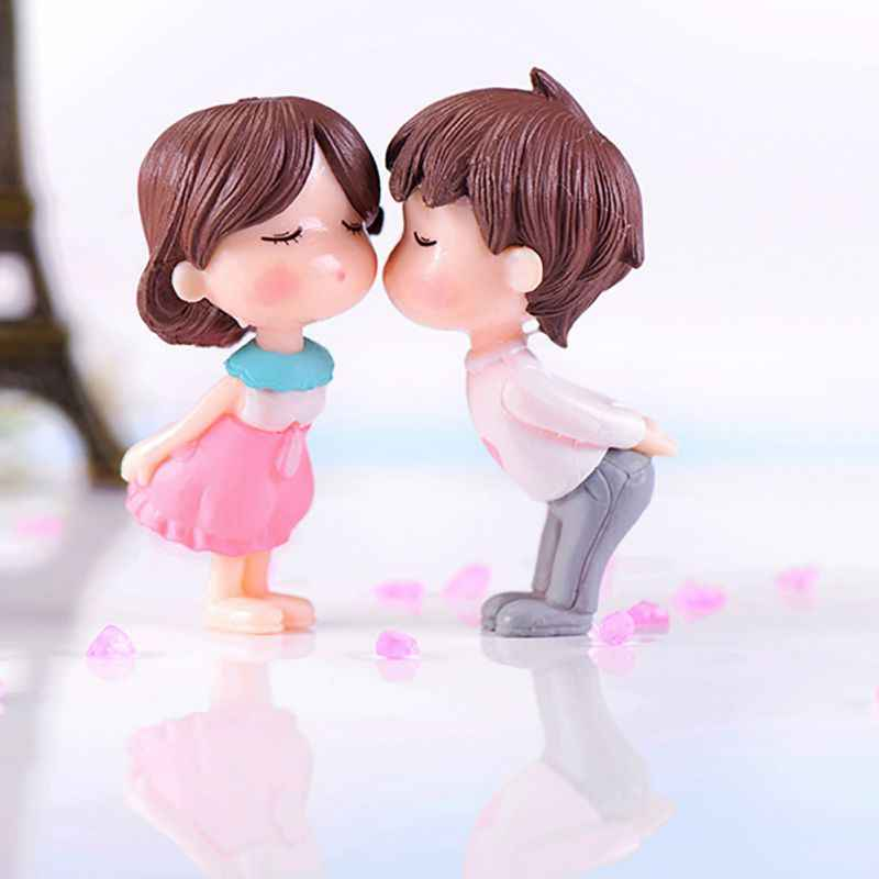 Romantic Couples Figurines Fairy Garden Miniatures Ornaments PVC Cute Boy and Girl Lovers Kiss Wedding Dolls for Home Decor