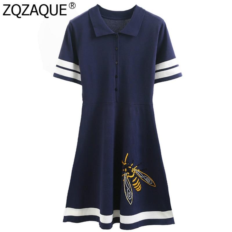 Style Preppy filles belle robe en tricot col rabattu manches courtes broderie motif abeille robes a-ligne pour les femmes jeune mode