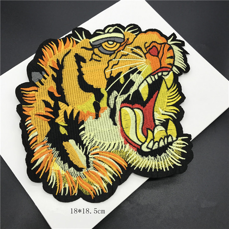 Brezplačna ladja 5pcs / lot visokokakovostne velike tigraste glave vezene obliže aplicirano železo oblačila pulover plašč dodatna oprema Pathwork Diy