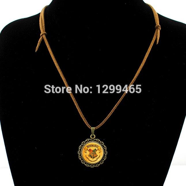 Vintage velvet necklace Case For harry Porter Hogwarts school badge Leather Necklace Magic Academy glass pendant necklace L 096
