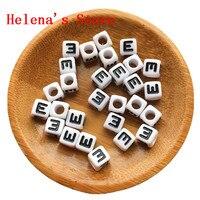 O Envio gratuito de 7*7 MM Acrílico Letra Do Alfabeto Contas Cubo Quadrados Letras Individuais E Impressão de Plástico Jóias Pulseira Espaçador contas
