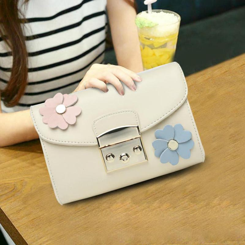 2017 The New Girl Cow Genuine Leather Wide Shoulder Strap Lady Flap Bags Mini Messenger Crossbody Bag Flowers Chain Bag Hand Bag new bag strap chain wallet handle purse acrylic resin strap chain strap replaced bag strap bag spare parts