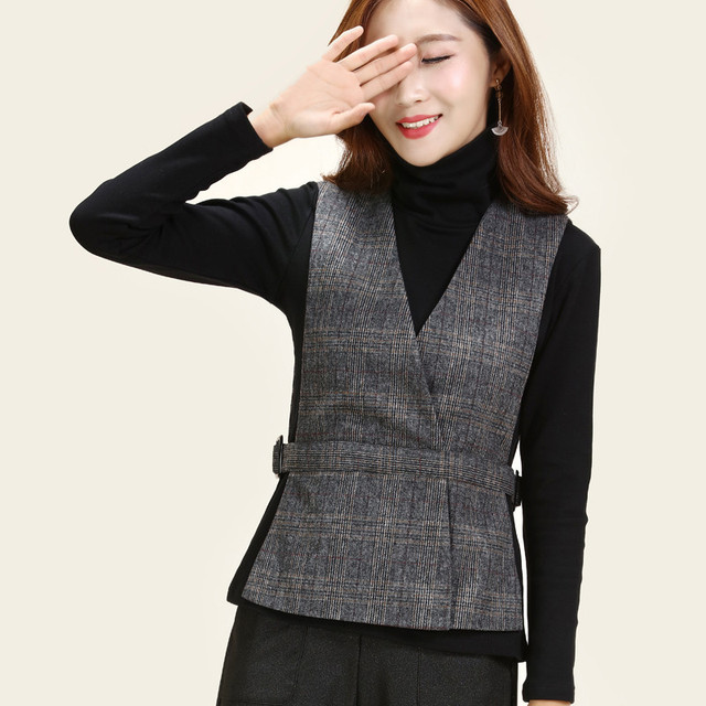 f60ff911346 US $23.7 20% OFF|5XL Plus Size Cashmere Waistcoat For Women Vest Black  Short Spring Sleeveless Jacket Female Cardigan Elegant V neck Slim Casaco  -in ...