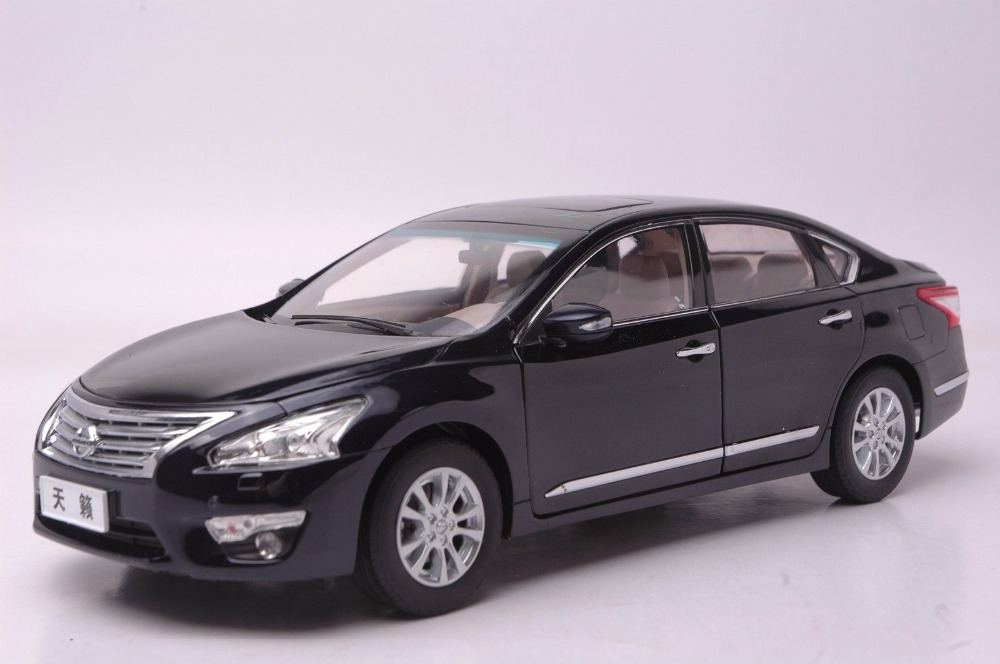1:18 Diecast Model for Nissan Teana Altima 2013 Black Alloy Toy Car Collection Gifts