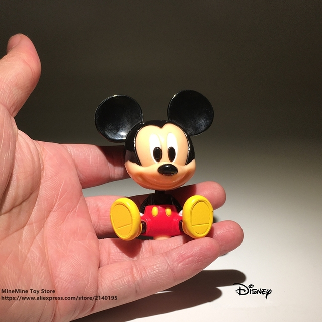Mickey Mouse mini action figure sitting 8cm