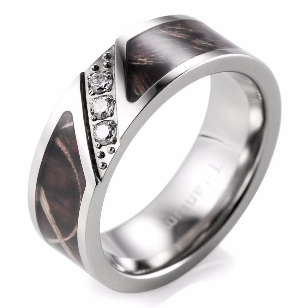 Shardon 7mm Realtree Grass Camo Engagement Ring With Three Cubic Zirconia  Titanium Engagement Wedding Ring For