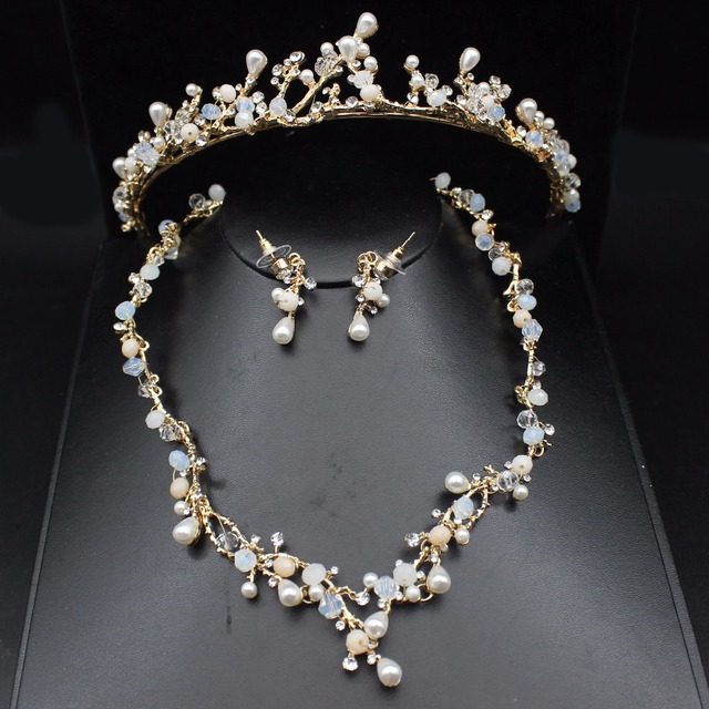 c516ae8e82701 US $16.93 23% OFF|Luxurious Pearl Gold Wedding Bridal Jewelry Sets Women  Prom Crystal Tiara Bride Necklace Earring Wedding Jewelry Accessories-in ...