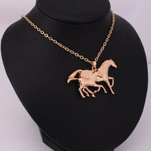 Hzew bonito correndo dois cavalo penadant colar mãe e seu filho cavalo colares