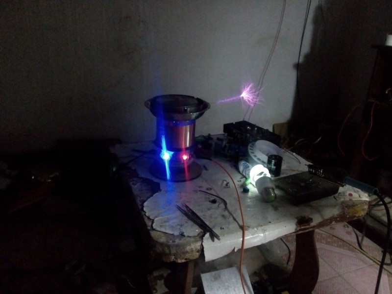 все цены на Tesla Coil Kit music storm USB connect music Tesla circle