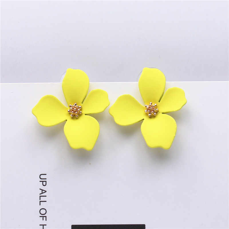 New design sweet jewelry spray paint effect stud earrings with flower earrings Statement earring for Girls gift for woman