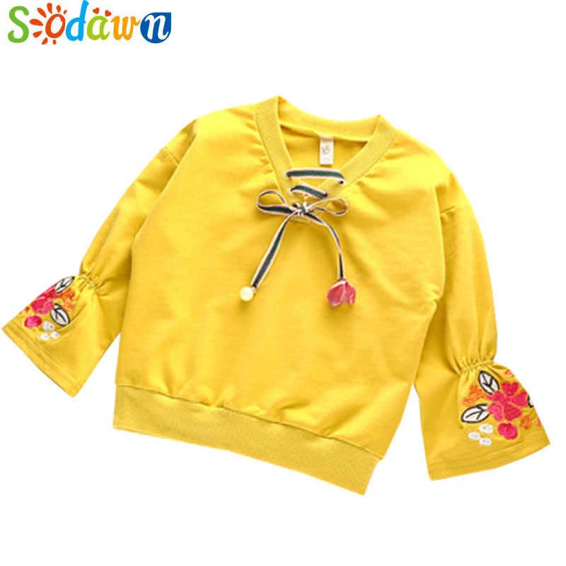 Sodawn 여자 옷 가을 새로운 작은 신선한 자 수 장식 조각 긴 소매 머리 V 칼라 탑 패션 Bbay 여자의 스웨터