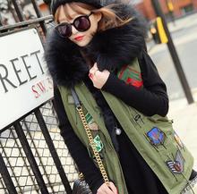 2017 badge logo winter vest jacket women street fashion Large fur collar hooded army green waistcoat plus size T322
