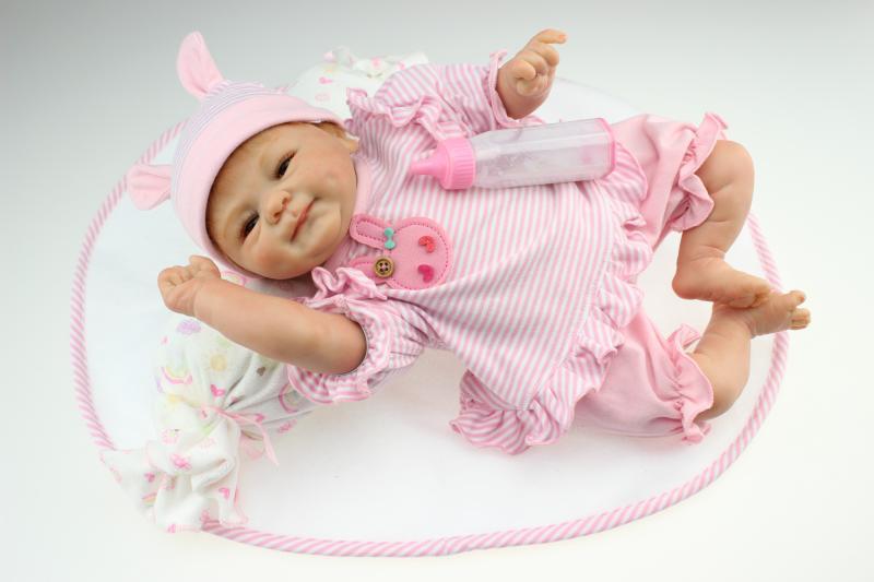 ФОТО Soft Silicone Vinyl Dolls 45cm Doll Reborn Baby Brown Wig Girl Handmade Cotton Body Lifelike Bebe juguetes Babies Toys bonecas