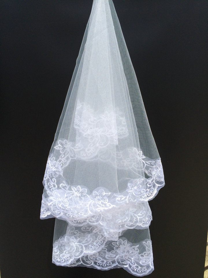 2019 Honey Qiao Lace Bridal Veils New Arrival White Tulle Wrist Length Simple Real Image One Layer Cheap Wedding Veils