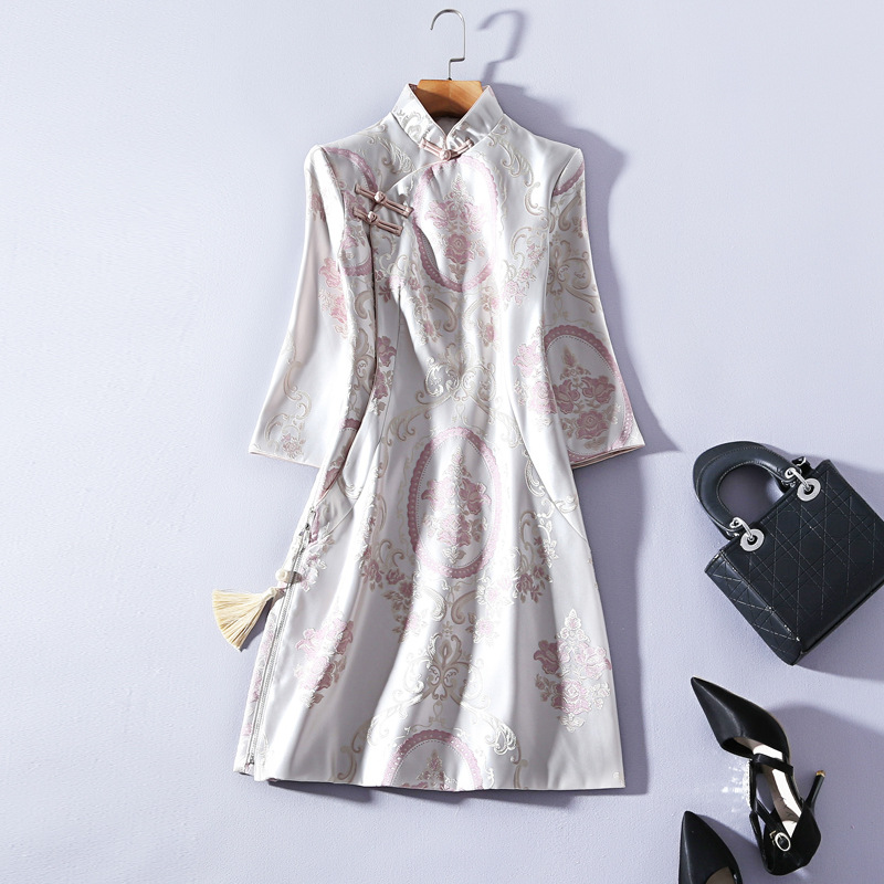 Autumn Winter New Girl Retro Stand Collar Plate Button Improved Short Cheongsam Seven point Sleeve Pink