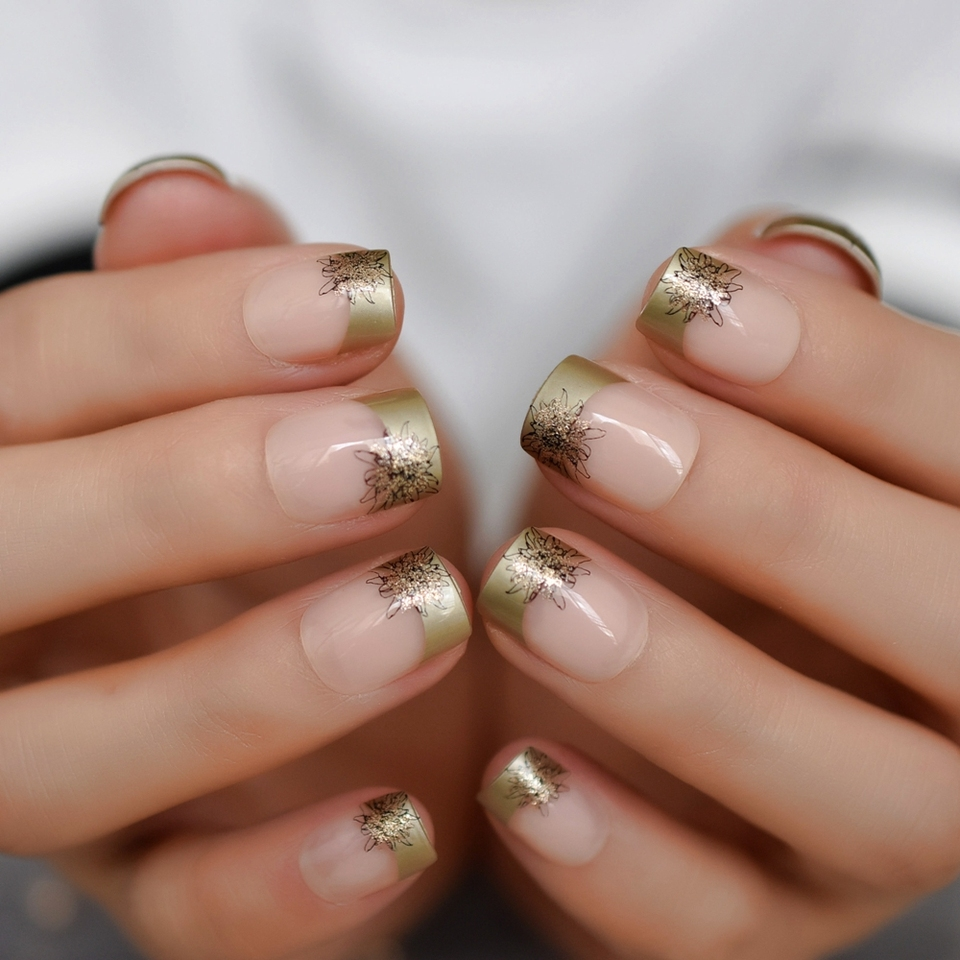 Pattern French Nails Nude Square Short Nails Gold Flower Texture